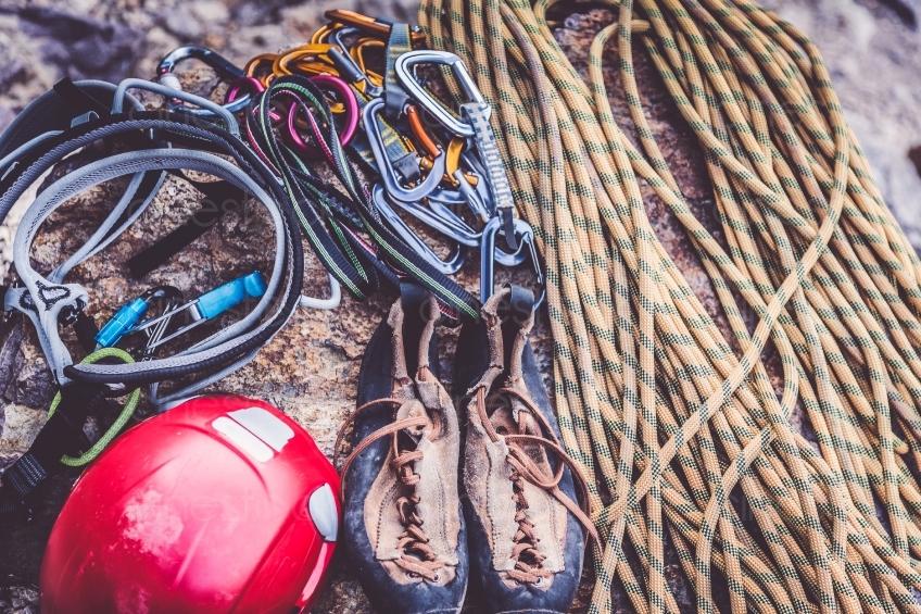 Kletterausrüstung Industrie : Karabiner kletterseile und kletterausrüstung 20160718 cinestock